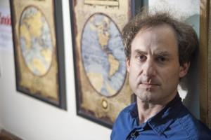 John Gerring | Foto: Kalman Zabarsky | Fuente:  www.bu.edu